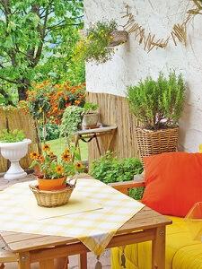 ein mediterraner garten als gartenparadies garten garten tipps f r hobbyg rtner. Black Bedroom Furniture Sets. Home Design Ideas