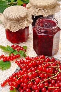 Es ist gar nicht schwer, Marmelade selber zu kochen © brozova - Fotolia.com