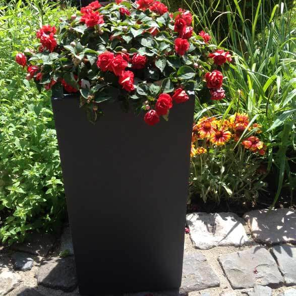 Blumenkübel und Pflanzgefäße aus Fiberglas
